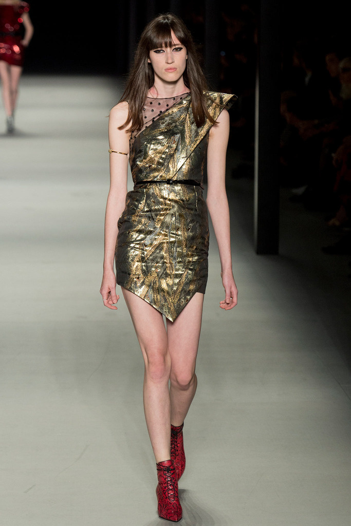yves_saint_laurent_pasarela_126150642_683x
