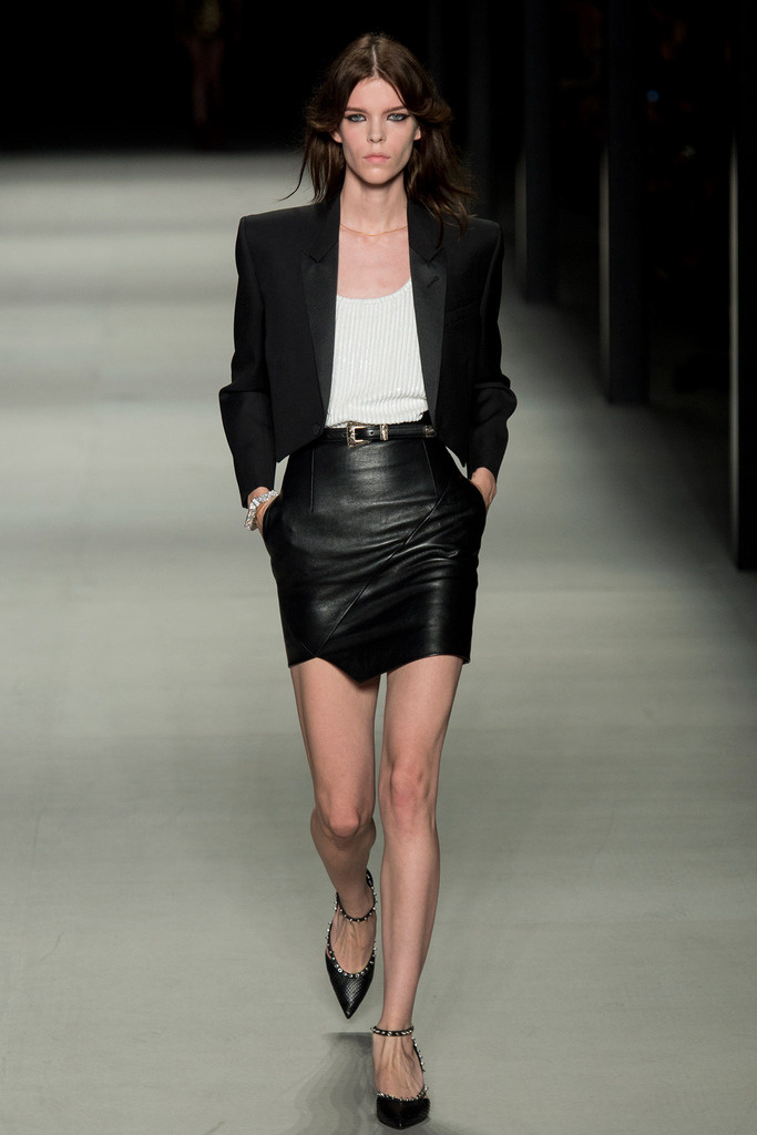 yves_saint_laurent_pasarela_782742512_683x